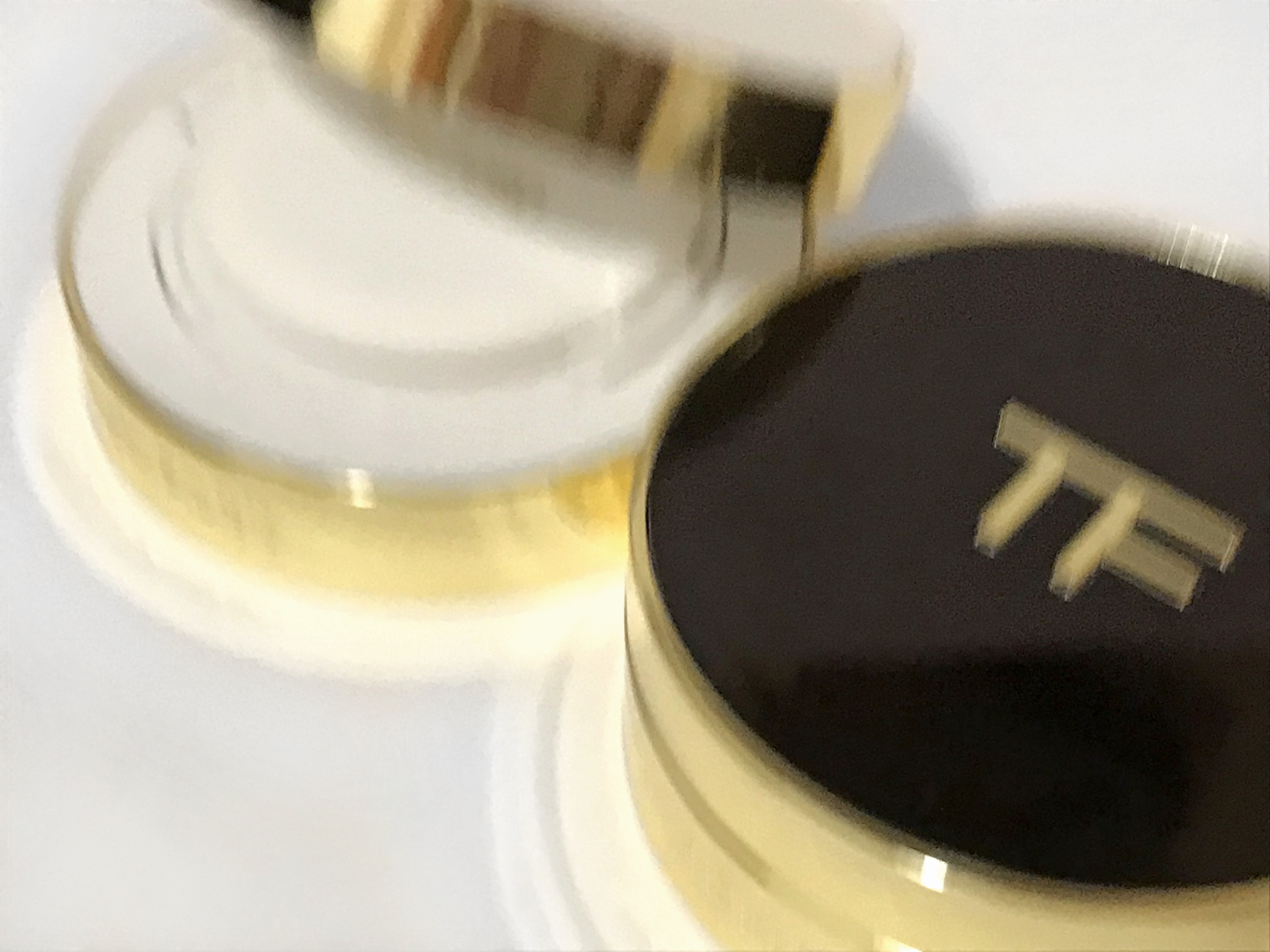 Jiaru Lin 02669 Tom Ford Cushion Compact